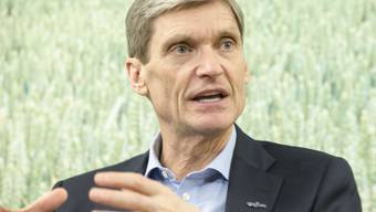 Syngenta-Chef Erik Fyrwald muss für das vergangene Jahr einen leichten Umsatzrückgang bekanntgeben. (Archiv)