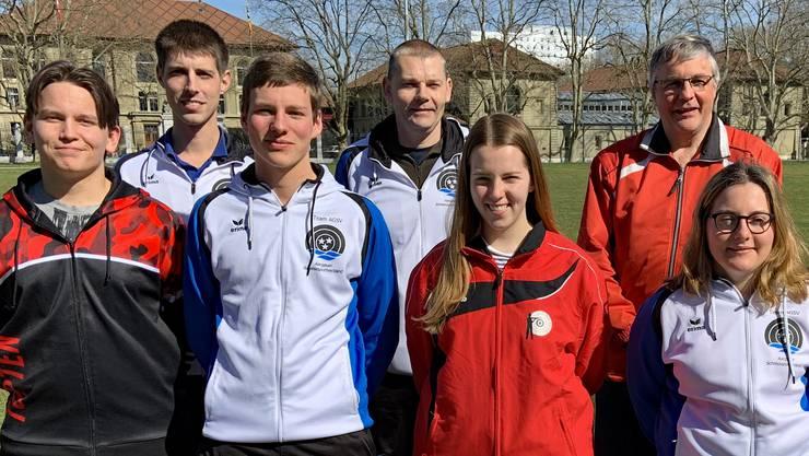 Die Aargauer Teilnehmer am Mixed-Team-Wettkampf (von links, es fehlt Tamara Vock): Geri Zoller, Matthias Stöckli (Betreuer), Christoph Wolfgang, Dieter Grossen, Selina Koch, Jean-Marc Wolfgang (Betreuer) und Lara Furrer.