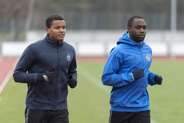 Akanji (links) im Trainingslager in Marbella (Spanien).