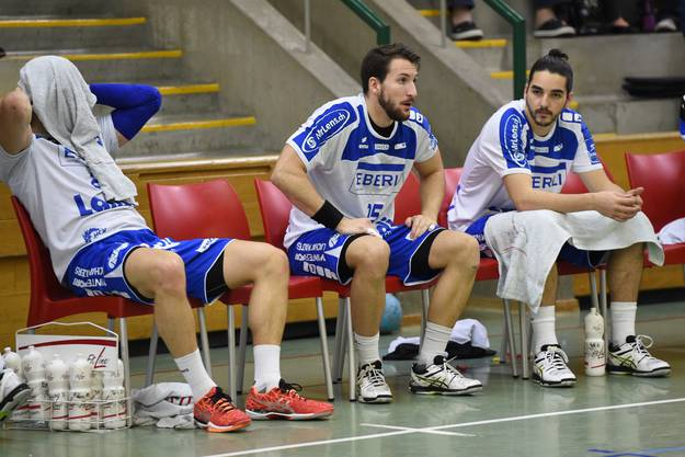 Enttäuschung bei Fabio Baviera (Mitte) und seinen Kollegen.