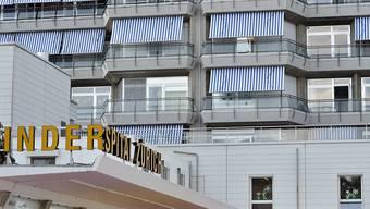 Zwei Anwohner legten gegen den Gestaltungsplan des Kinderspital-Neubaus Rekurs ein, diese hat das Zürcher Baurekursgericht nun abgelehnt. (Archivbild)