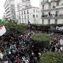 Allein in der Hauptstadt Algier gingen am Freitag bis zu einer Million Menschen auf die Strasse. Sie protestierten gegen eine erneute Kandidatur von Staatspräsident Bouteflika.