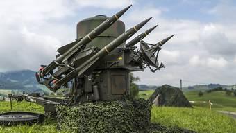 Fliegerabwehrsystem der Schweizer Armee: Der Bundesrat lenkt im Streit um die Lockerung der Waffenexport-Regeln ein. (Archiv)