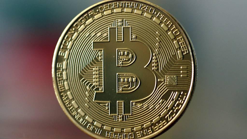 Die Digitalwährung Bitcoin ist so wertvoll wie nie. (Archivbild)