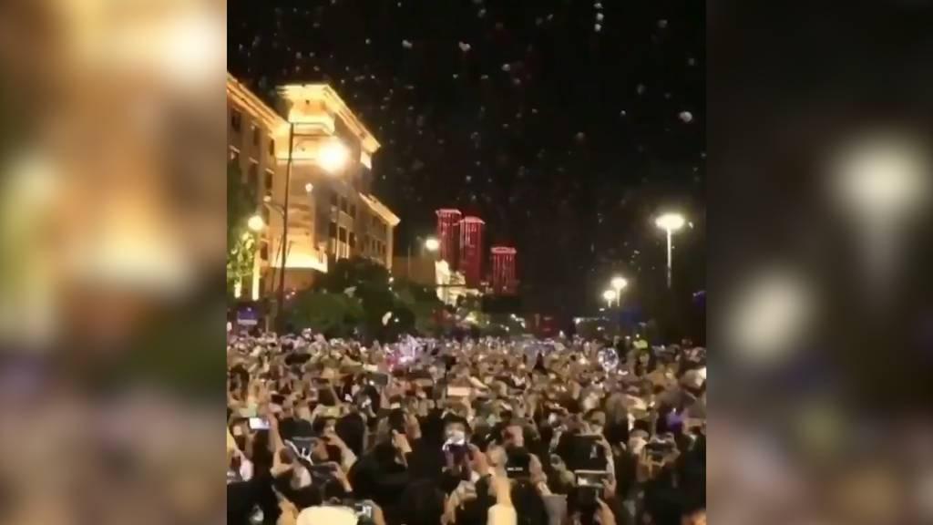 Von Corona keine Spur: So feiert Wuhan den Jahreswechsel