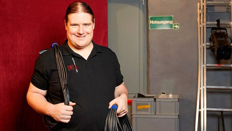 Patrick Honegger ist beim Theater und beim Jugendzirkus für fast alles zuständig, ob auf oder neben der Bühne. Genau so gefällt es ihm.