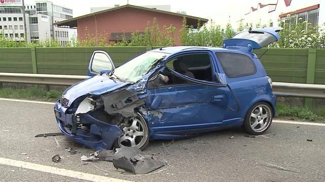 4 Verletzte nach Frontalkollision in Oberentfelden