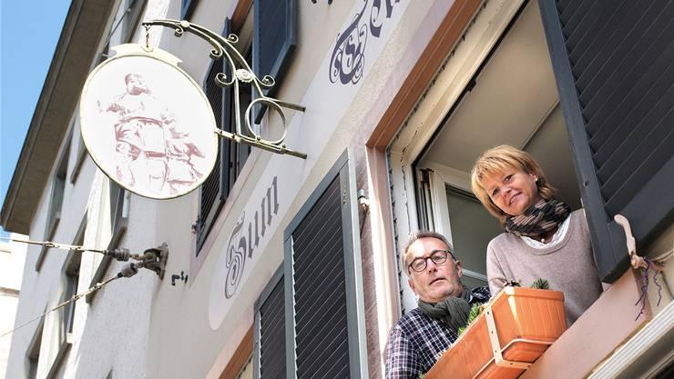 Gastronom Andreas Cavegn übernimmt das Restaurant «Zum Tell» in der Spalenvorstadt per Anfang Oktober von der jetzigen Beizerin Rahel Linder.