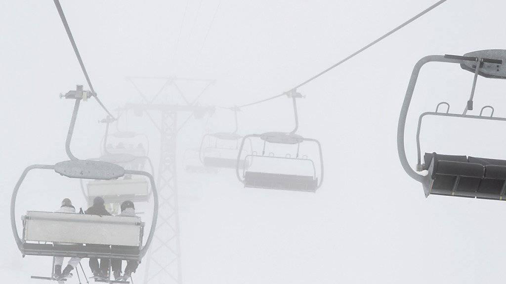 Schlechte Schneeverhältnisse im Dezember und Januar haben das Winterergebnis im Schweizer Tourismus getrübt. (Archivbild)
