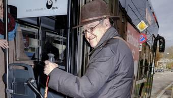 Christoph Wydler findet den Einstieg in den Bus ungeeignet.