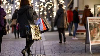 Die Konsumlust ist ungebremst. Es wird weiter eingekauft. Trotzdem trifft es gewisse Händler hart.