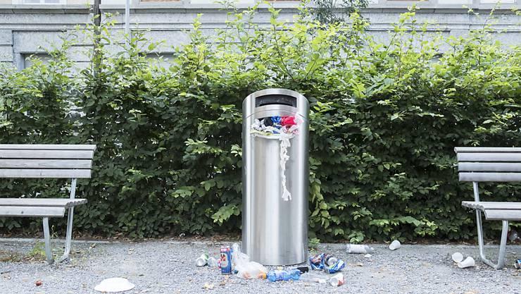 Ziel der Stadt Bern ist, den Abfall im öffentlichen Raum einzudämmen. (Archivbild)