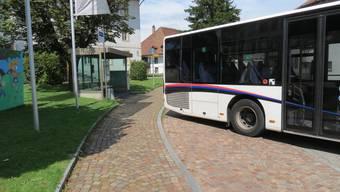 Brittnau: Linienbus kollidiert mit Fussgängerin – Fussgängerin verletzt