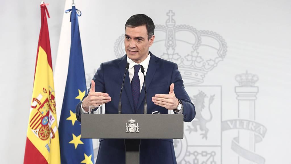Pedro Sanchez, Ministerpräsident von Spanien, spricht bei einer Pressekonferenz. Foto: Europa Press/E. Parra. Pool/EUROPA PRESS/dpa
