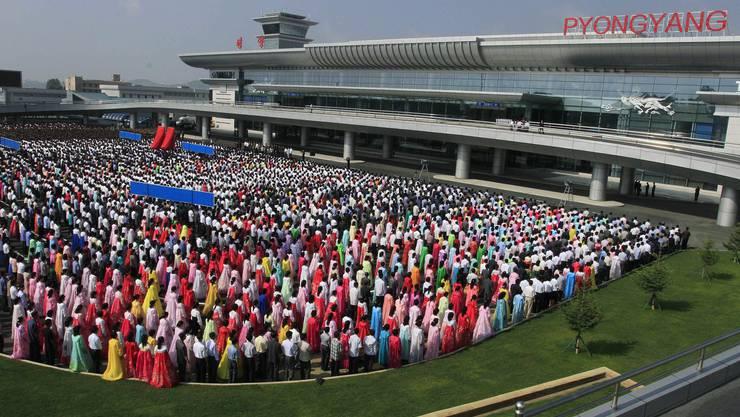 So viel wie bei der Eröffnung am 1. Juli 2015 wird auf dem neuen internationalen Flughafenterminal in der nordkoreanischen Hauptsadt Pjöngjang nicht mehr los sein. Die wenigen internationalen Flüge nach Pjöngjang kommen überwiegend aus Peking und Moskau.