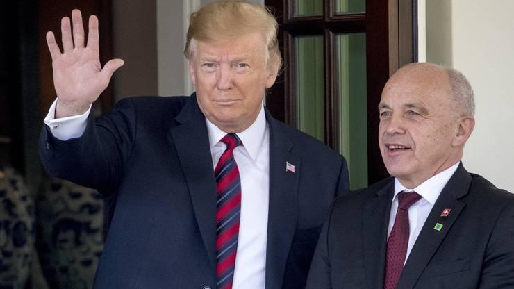 Die ersten Bilder von Ueli Maurer und Donald Trumps Zusammentreffen.