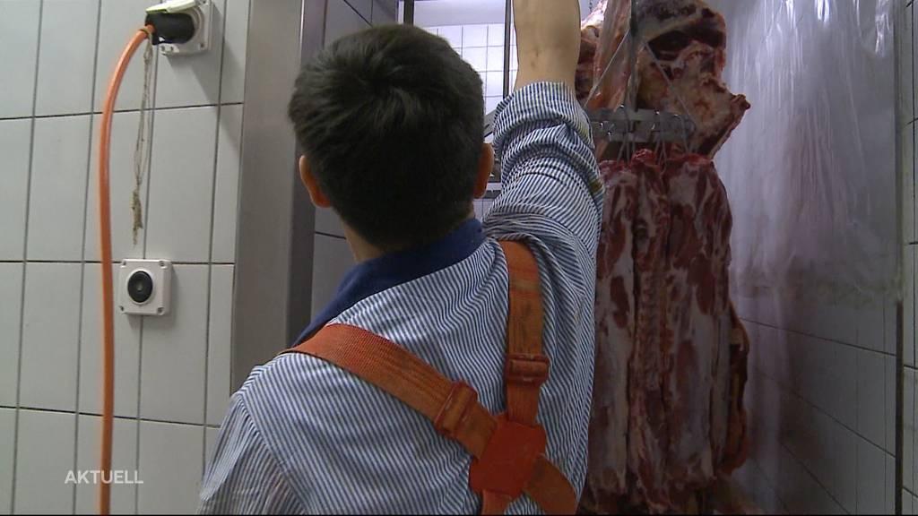 Nachwuchsmangel: Flüchtlinge entdecken im Aargau den Metzger-Beruf