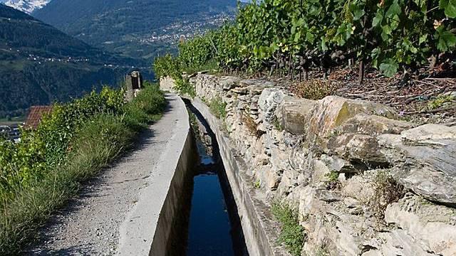 Bewässerungskanäle nennt man im Wallis Suonen