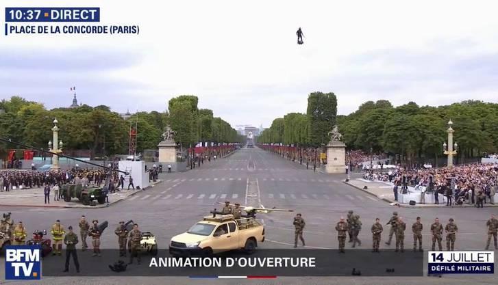 Zapata bei der Militärparade in Paris.
