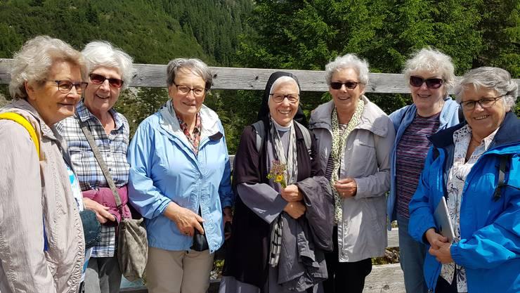 Sr. Elisabeth Müggler mit Teilnehmerinnen