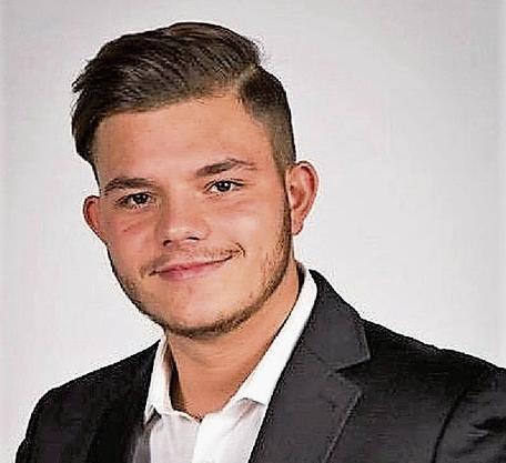 Valmir Veapi, Wirtschaftsstudent