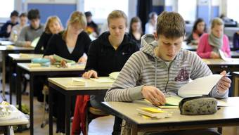 Mit dem Lehrplan 21 ändert sich auch die Gymi-Aufnahmeprüfung. (Symbolbild)