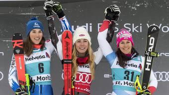 Mikaela Shiffrin (Mitte) hat das Siegerlächeln quasi programmiert.