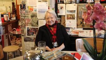 Irma Koch («Chäber») kurz nach ihrem 85. Geburtstag im Herbst 2014 in ihrem Restaurant, das sie seit über 50 Jahren führt.