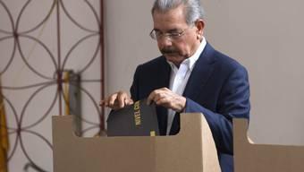 Präsident Danilo Medina bei der Stimmabgabe in Santo Domingo
