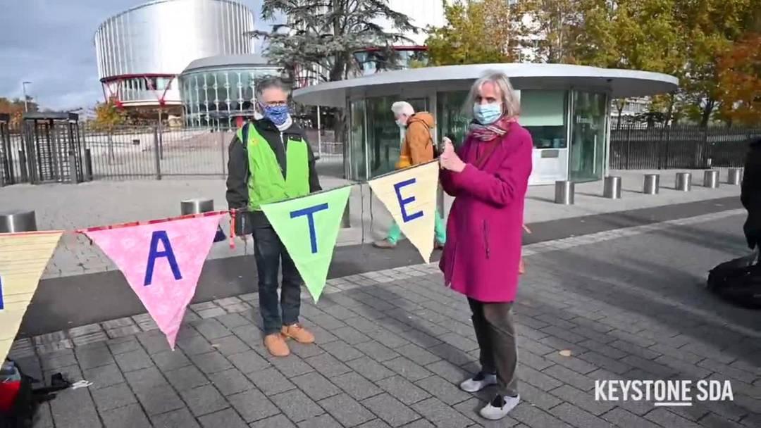 Schweizer Klimaseniorinnen kündigen in Strassburg Klimaklage an