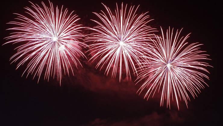 Feuerwerkfans können ab diesem Jahr im Zurzibiet schon am 31. Juli ohne Bewilligung Raketen zünden.