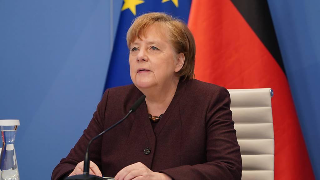 ARCHIV - Bundeskanzlerin Angela Merkel nimmt vom Kanzleramt aus virtuell an einer Videokonferenz des Weltwirtschaftsforums teil. Foto: Sean Gallup/Getty Images Europe/Pool/dpa