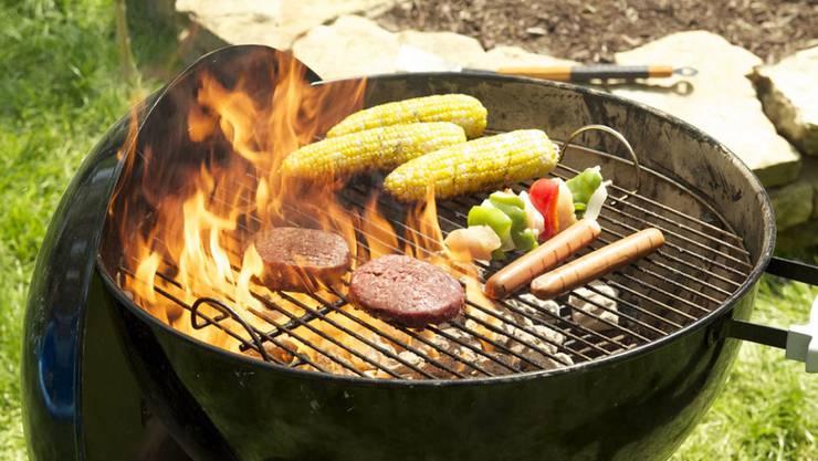 Fleisch oder Vegi? Was landet auf dem Grill? (Symbolbild)