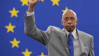 Der prominente kubanische Dissident Guillermo Fariñas im Jahr 2013 nach der Überreichung des Sacharow-Preises für Menschenrechte durch das EU-Parlament.