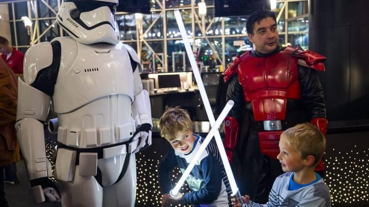 """Nordamerika im """"Star Wars""""-Fieber: """"Rogue One: A Star Wars Story"""" hat in Kanada und den USA schon am ersten Wochenende 155 Millionen Dollar eingespielt. (Archivbild)"""