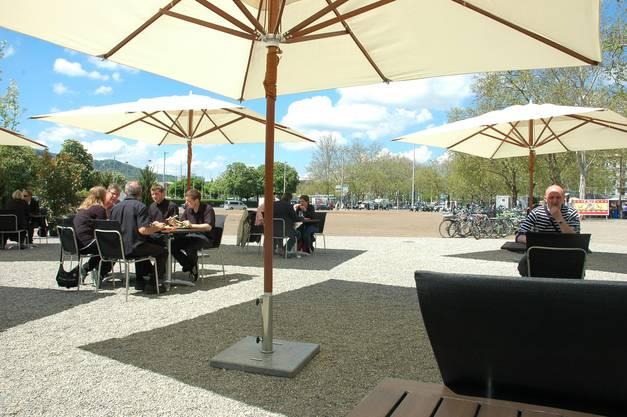 Das neue Café am Sechseläutenplatz