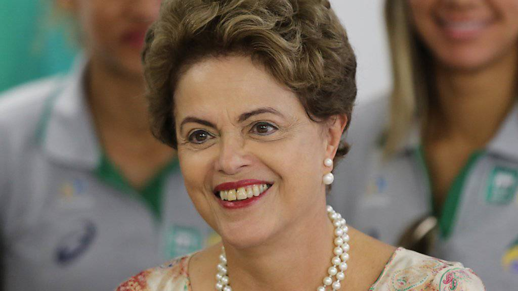 Sagte eine geplante Asien-Reise ab, um sich um Brasiliens Finanzprobleme zu kümmern: Präsidentin Dilma Rousseff. (Archivbild)