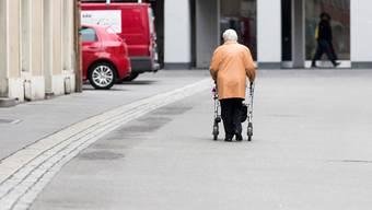 In der Schweiz lebten Ende 2018 rund 1500 Personen, die älter als Hundert Jahre sind. (Symbolbild)