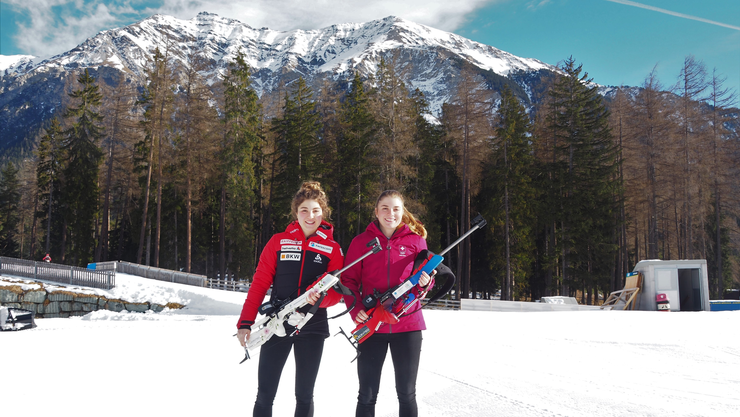 Aline (l.) und Seraina König (r.) vertreten die Schweiz an den Junioren-Weltmeisterschaften im Biathlon.