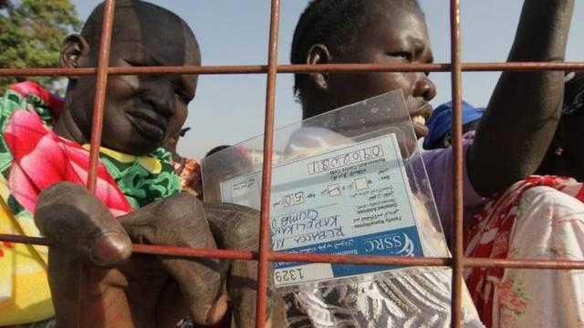 Südsudanesen warten darauf, ihre Stimmen zur Abspaltung des Südsudans abzugeben
