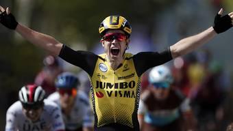 Wout Van Aert darf sich an der Strade Bianche als Sieger feiern lassen