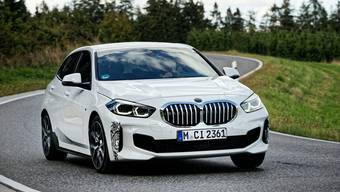 Dezent getarnter BMW-Prototyp.