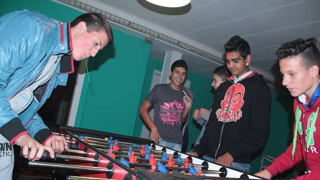 Die Jugendlichen möchten einen Ort, wo sie sich treffen, spielen und austauschen können.