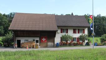 Auf dem Bözberg fallen die Fahnen, anlässlich des 1. Augusts auf. Anders sieht es in der Stadt Brugg aus.