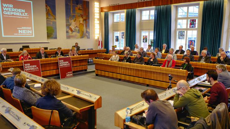 Ort voller Symbolik Rund 50 Gemeinderäte lancierten gestern im Landratssaal ihre Kampagne gegen die Mehrwertabgabe-Vorlage des Kantons.
