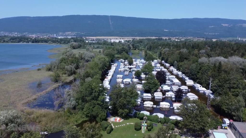 Überfluteter Camping Gampelen wie ausgestorben