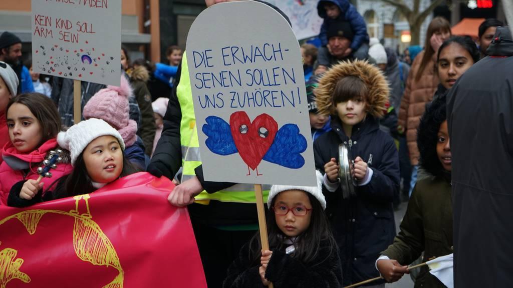 Kinderdemonstration in der Stadt St.Gallen