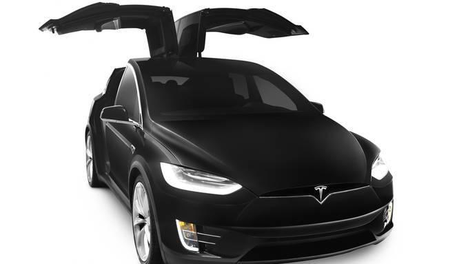 Ein Tesla X samt polizeilichem Ausbau kostet rund 140'000 Franken pro Stück.