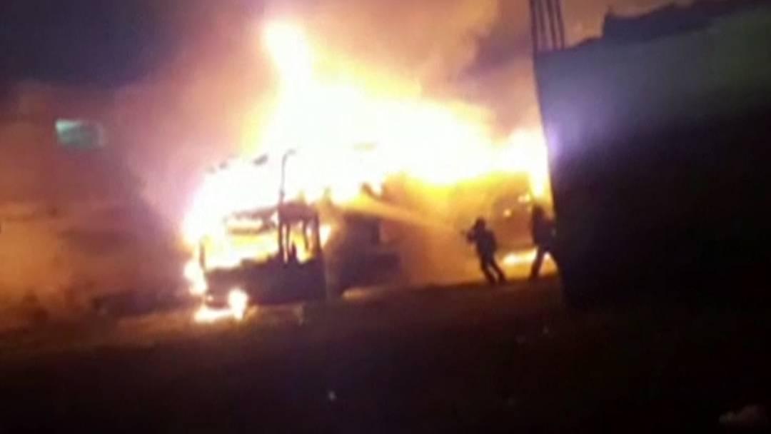Diese Bilder zeigen die Flammenhölle in Peru