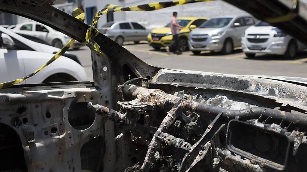 Die Leiche des ermordeten Botschafters fanden die Behörden in einem verkohlten Auto. (Archivbild)